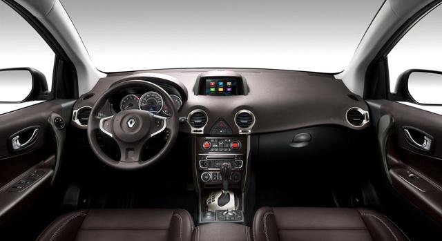 Renault koleos il restyling aggiorna anche la dotazione for Interieur koleos