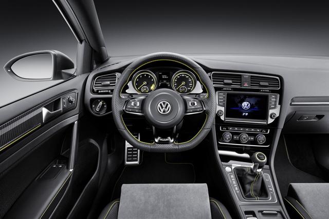 Interni Volkswagen Golf R 400 Concept
