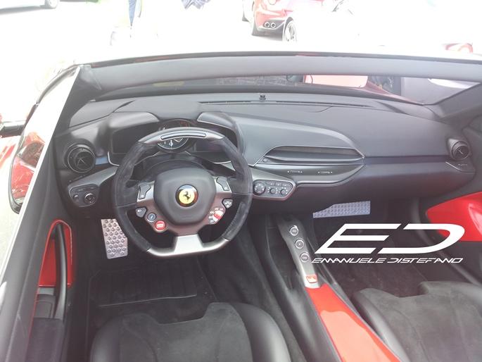 http://static.fanpage.it.s3.amazonaws.com/autorifanpage/wp-content/uploads/2014/06/Ferrari-F12-TRS-3.jpg