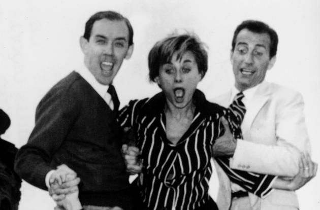 Toni Ucci (a destra) con Sandra Mondaini ed Enzo Garinei