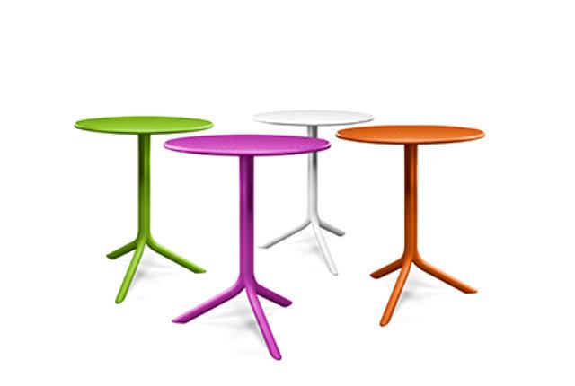 Step, il tavolino a tutto colore