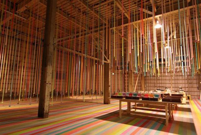 Iyama Design e l'installazione di nastro adesivo