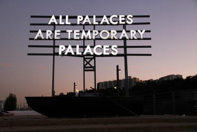 Le installazioni di Robert Montgomery tra arte e poesia