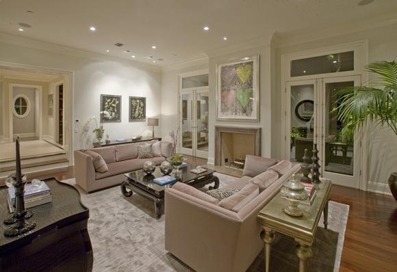 La casa di lady gaga a hollywood una villa di lusso ma for La casa con 6 camere da letto offre lusso