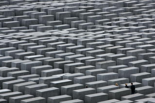Giorno della Memoria: a Berlino si commemora la Shoah nel Memoriale di Eisenman