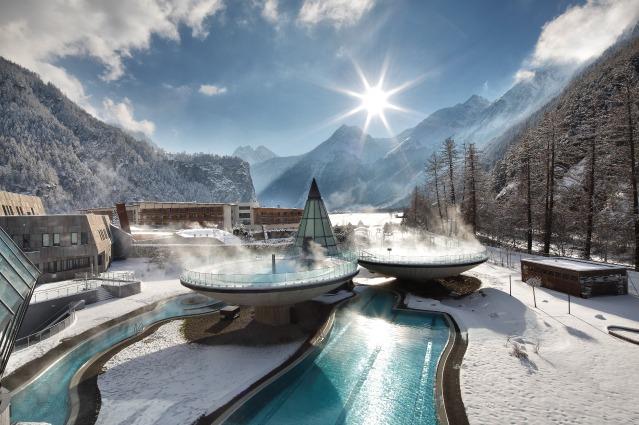 Aqua Dome: le terme più imponenti e suggestive delle Alpi