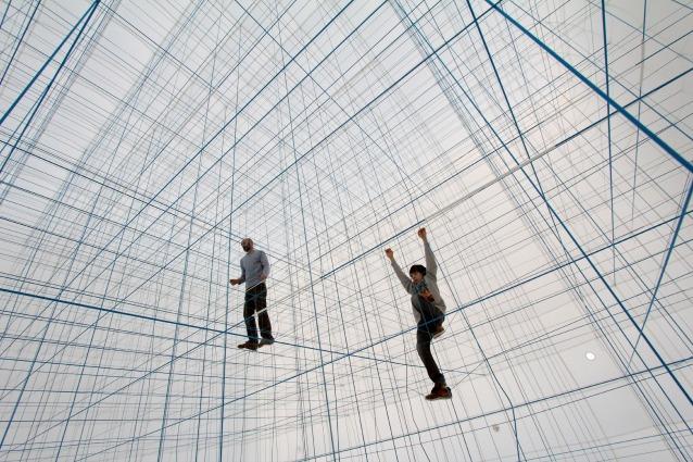 String Prototype: sospesi in un groviglio di corde 3D