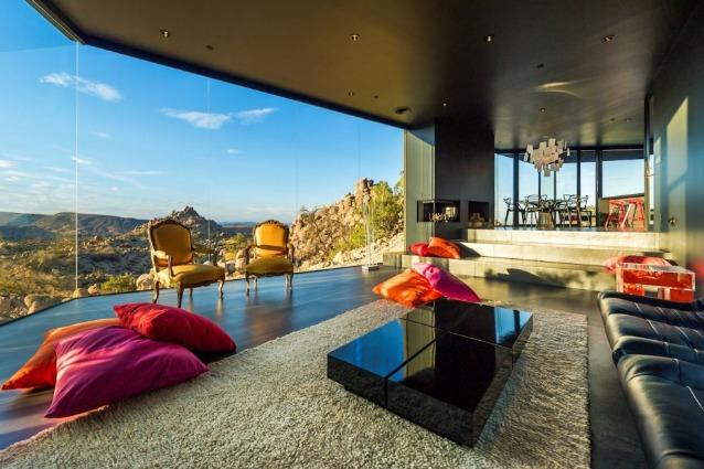 Desert House: una casa d'ombra nel deserto californiano