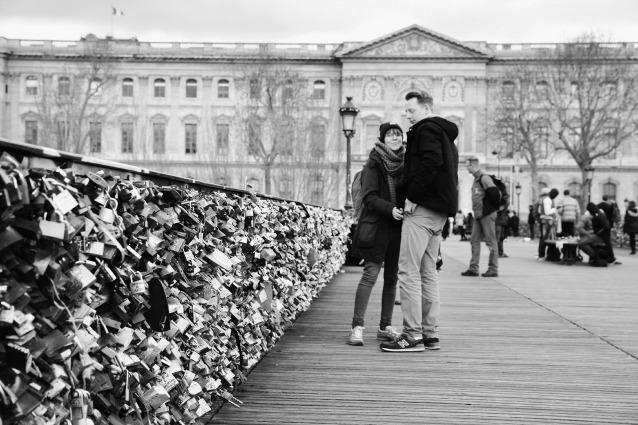Parigi come Roma e Firenze: il Pont des Arts ed altri luoghi invasi dai lucchetti dell'amore
