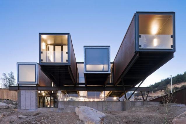 Architetture di container nel mondo: quando il riciclo diventa design