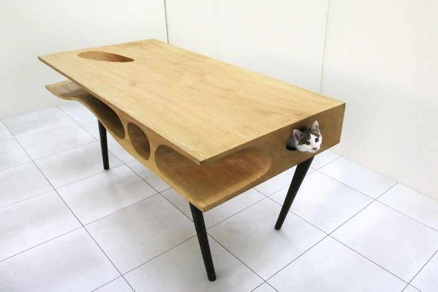 CATable: un tavolo per gli uomini, un paradiso per i gatti