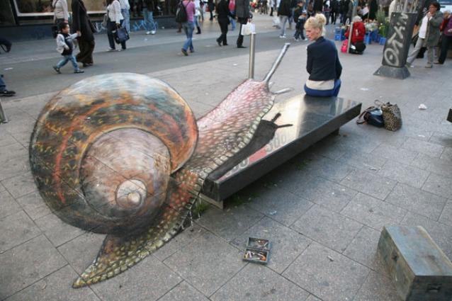 Julian Beever, il Paviment Picasso che crea illusioni di strada 3D