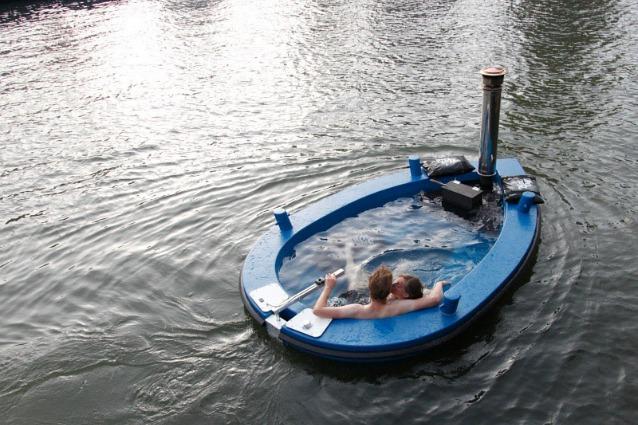 HotTug: la prima vasca idromassaggio che può navigare