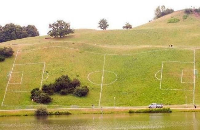 I 10 campi da calcio più strani del mondo