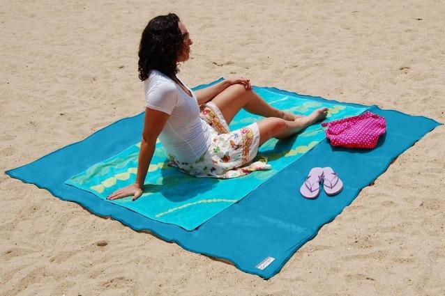 Sandless Beach Mat: il telo da mare che non si insabbia