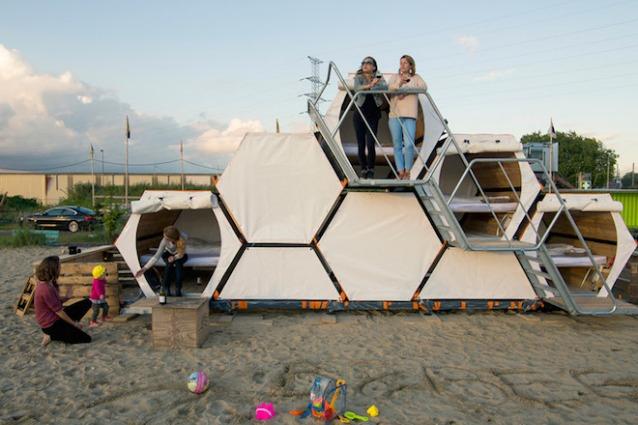 B-and-Bee: la tenda ad alveare per viaggiare sempre in compagnia