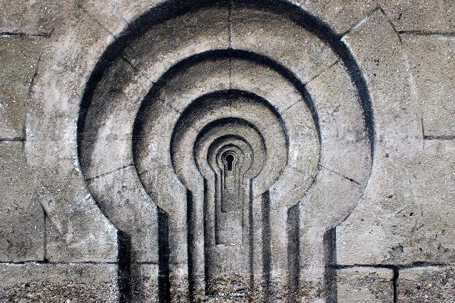 La realtà apparente di Pejac: quando la street art è un'illusione ottica