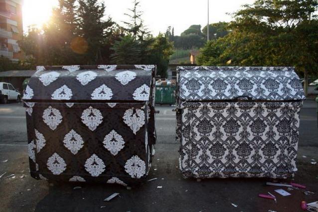 Roma, i cassonetti dei rifiuti diventano opere di street art