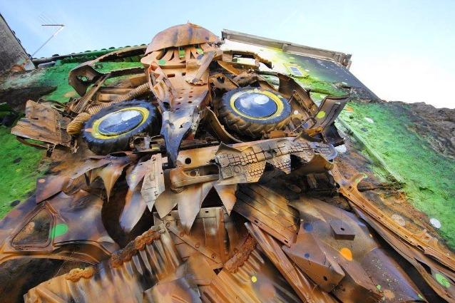 La Street Art diventa 3D con la spazzatura