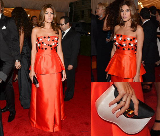 Eva-Mendes-in-prada-al-met-ball-2012