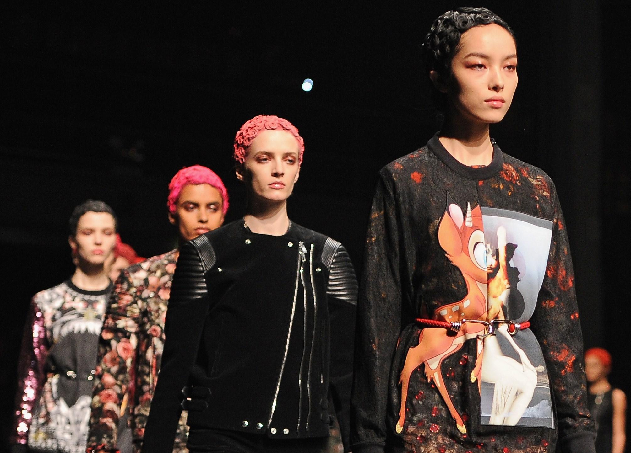 Paris Fashion Week 2013: Givenchy e i personaggi Disney, il punk diviene romantico