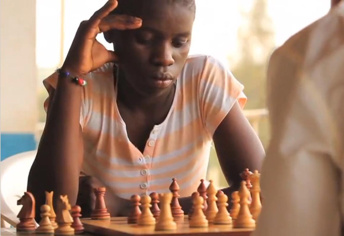 Phiona Mutesi, dalle baraccopoli a regina degli scacchi