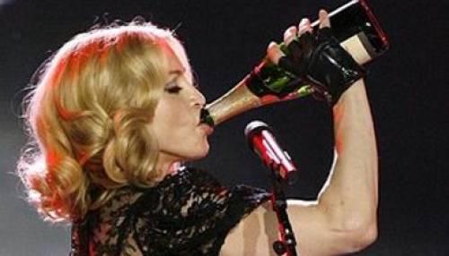 """""""Vitae"""", il vino anti-età bevuto da Madonna per non invecchiare"""