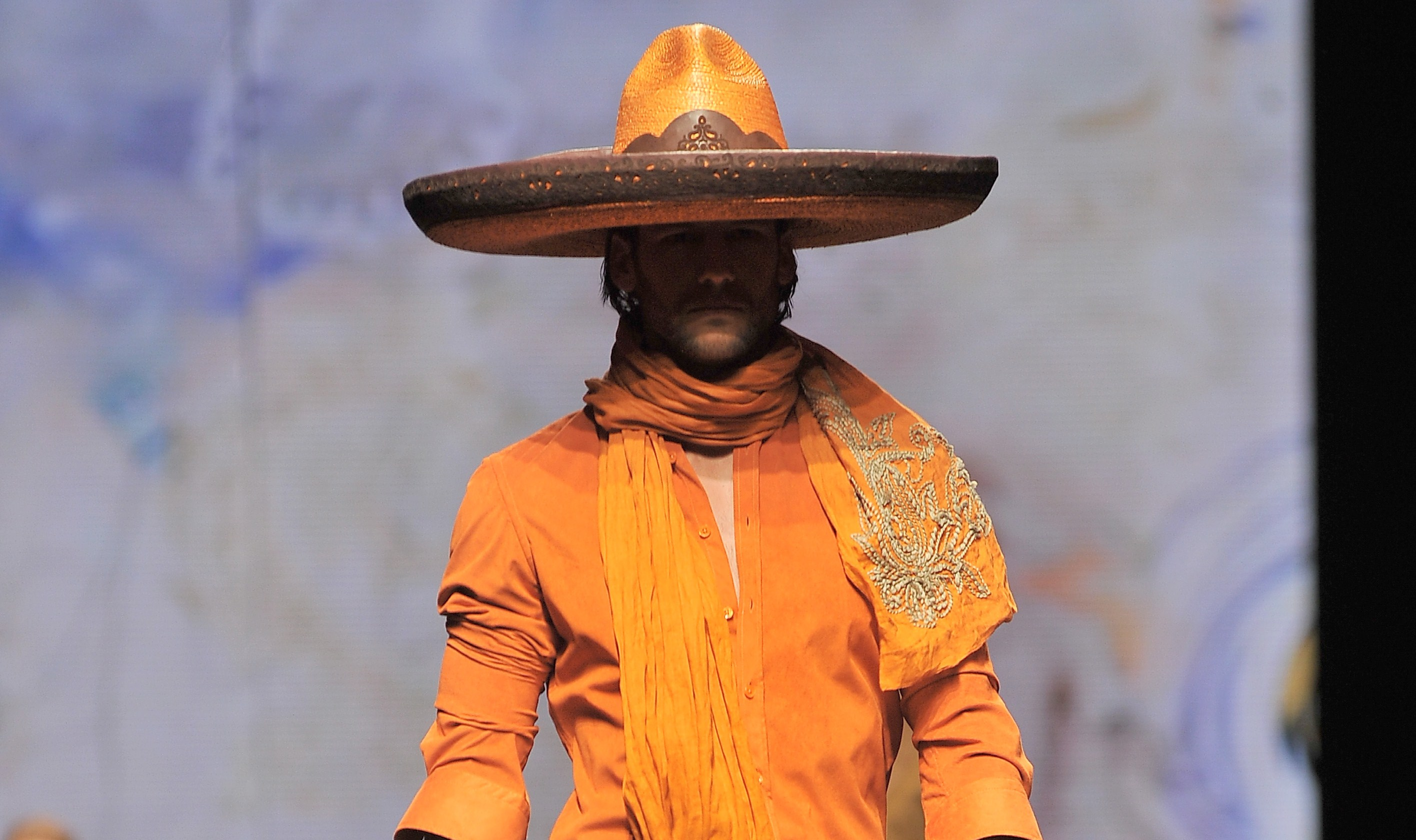 Milano Fashion Week: Etro porta Zorro in passerella