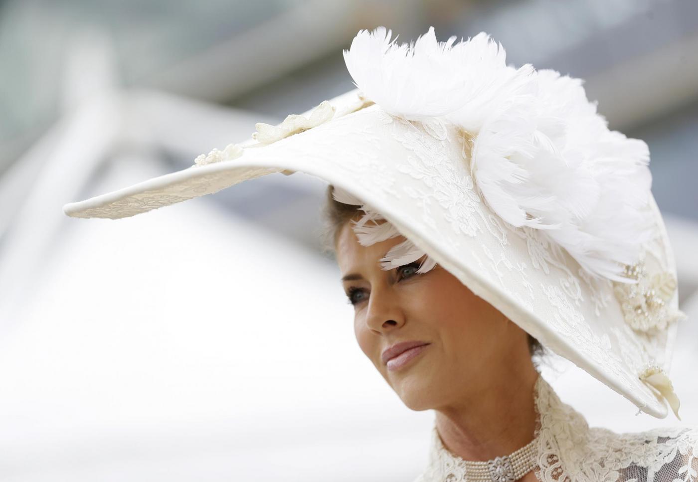 I cappelli più strani del mondo sfilano al Royal Ascot (FOTO)