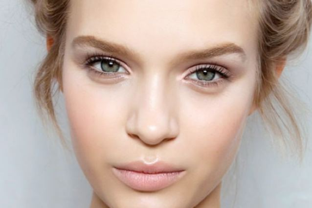 Make up nude: come realizzare un trucco invisibile