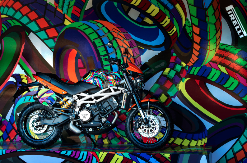 Murales e colori per Pirelli al Pitti 2013