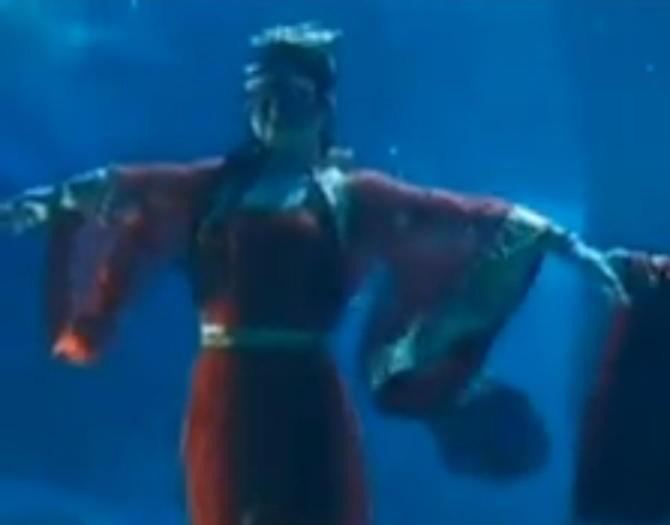 Una sfilata di moda... sott'acqua (VIDEO)