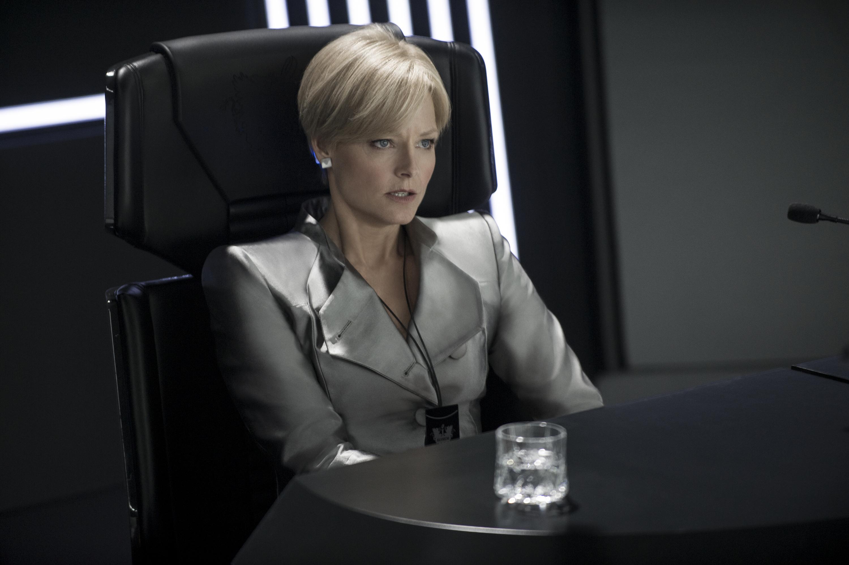 """Armani veste Jodie Foster nel film """"Elysium"""""""