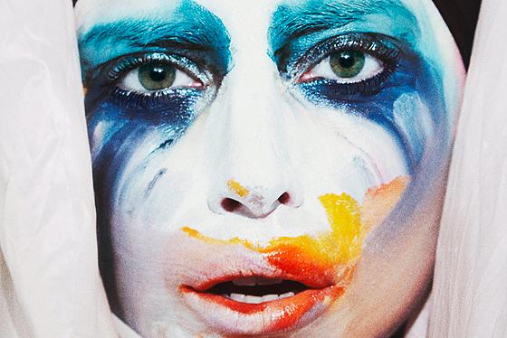 I 5 look da Applause di Lady Gaga (VIDEO)