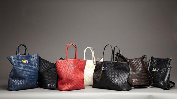 """Bottega Veneta presenta """"Initials"""" per personalizzare borse ed accessori"""