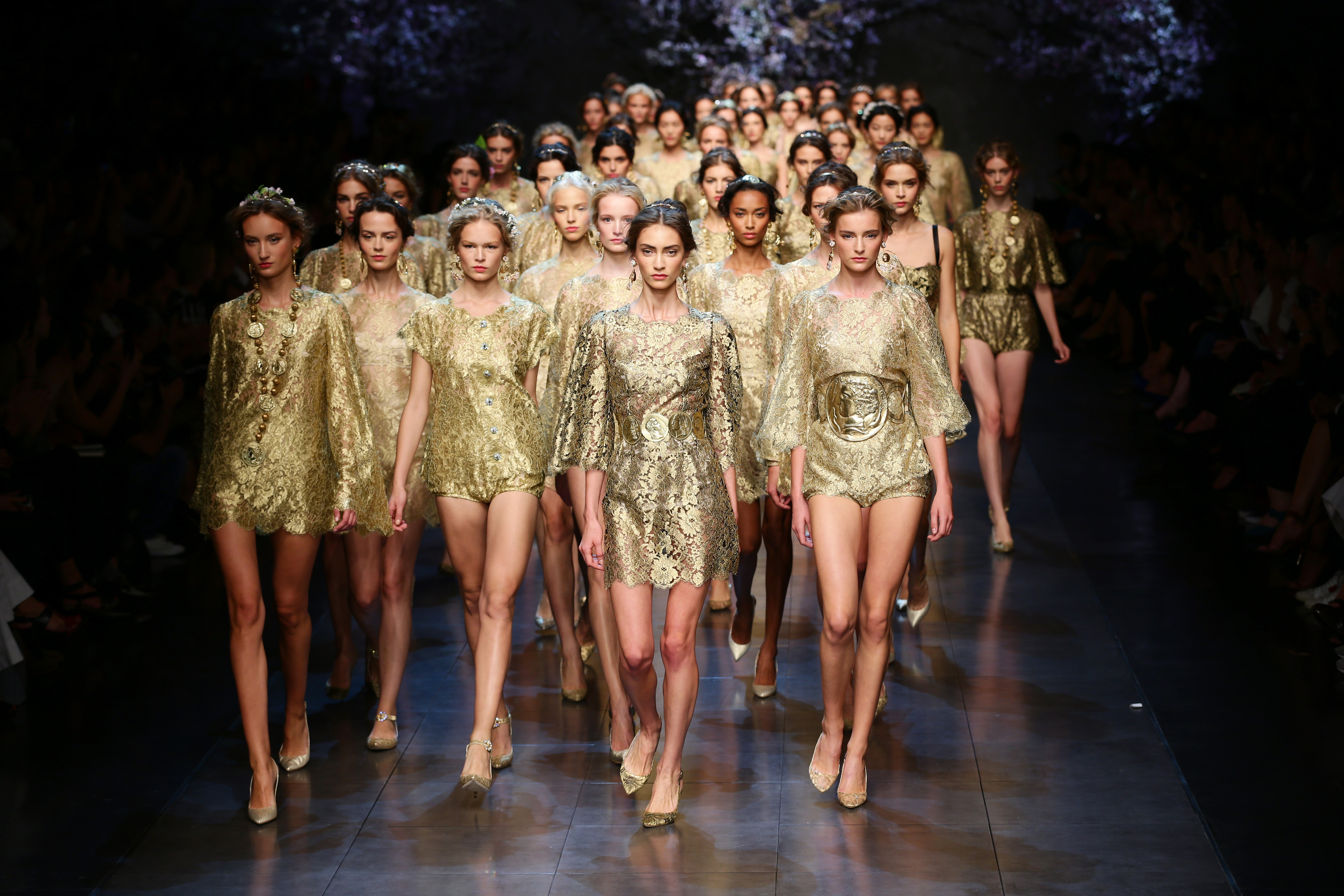 Dolce&Gabbana collezione P/E 2014: il grande spettacolo barocco (FOTO)