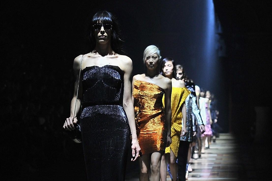 "Parigi Fashion Week: la donna ""metallica"" di Lanvin (FOTO)"
