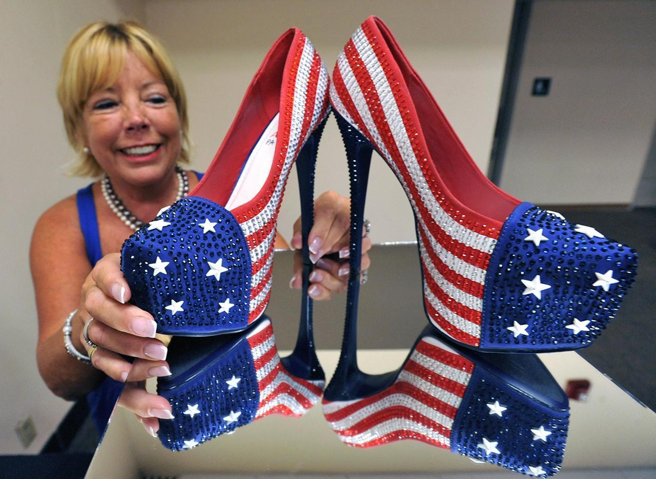 Scarpe originali: ecco i modelli kitsch per Miss America (FOTO)