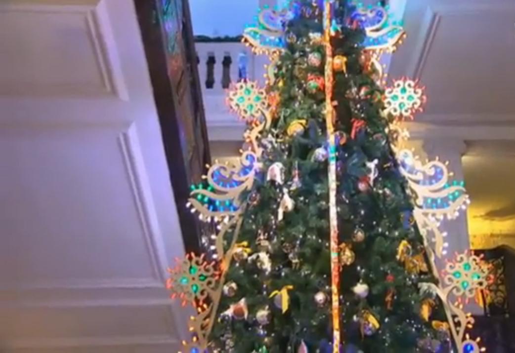 L'albero di Natale da mille e una notte di Dolce&Gabbana (VIDEO)