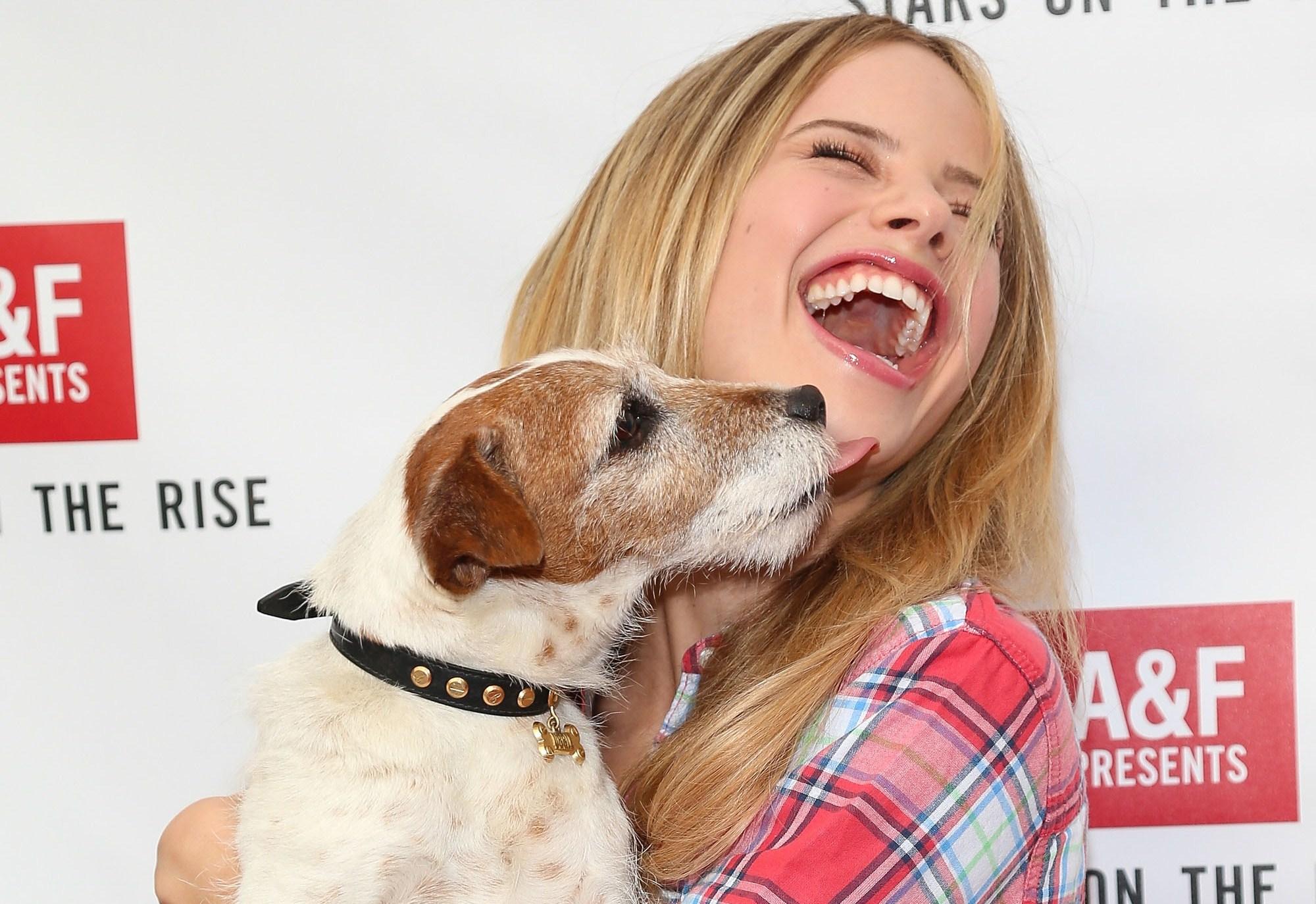 Meglio un cane di un uomo: 1 donna su 10 preferisce l'animale al partner