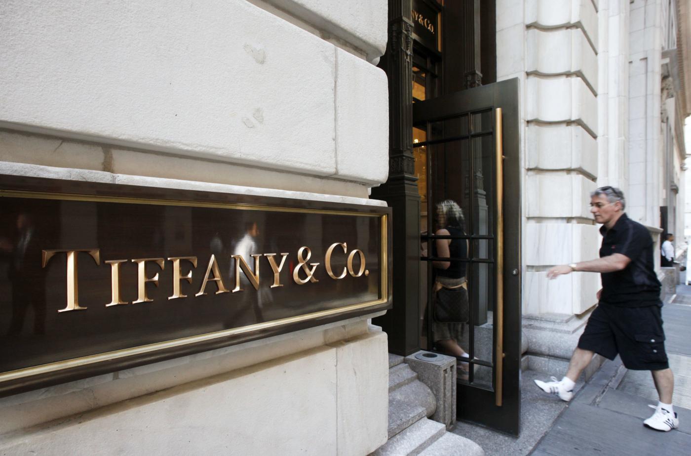 Maxi multa per Tiffany&Co, dovrà pagare 328 milioni di euro alla Swatch