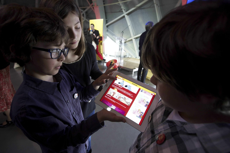 Dipendenza da iPad: William a soli 3 anni non può fare a meno del tablet