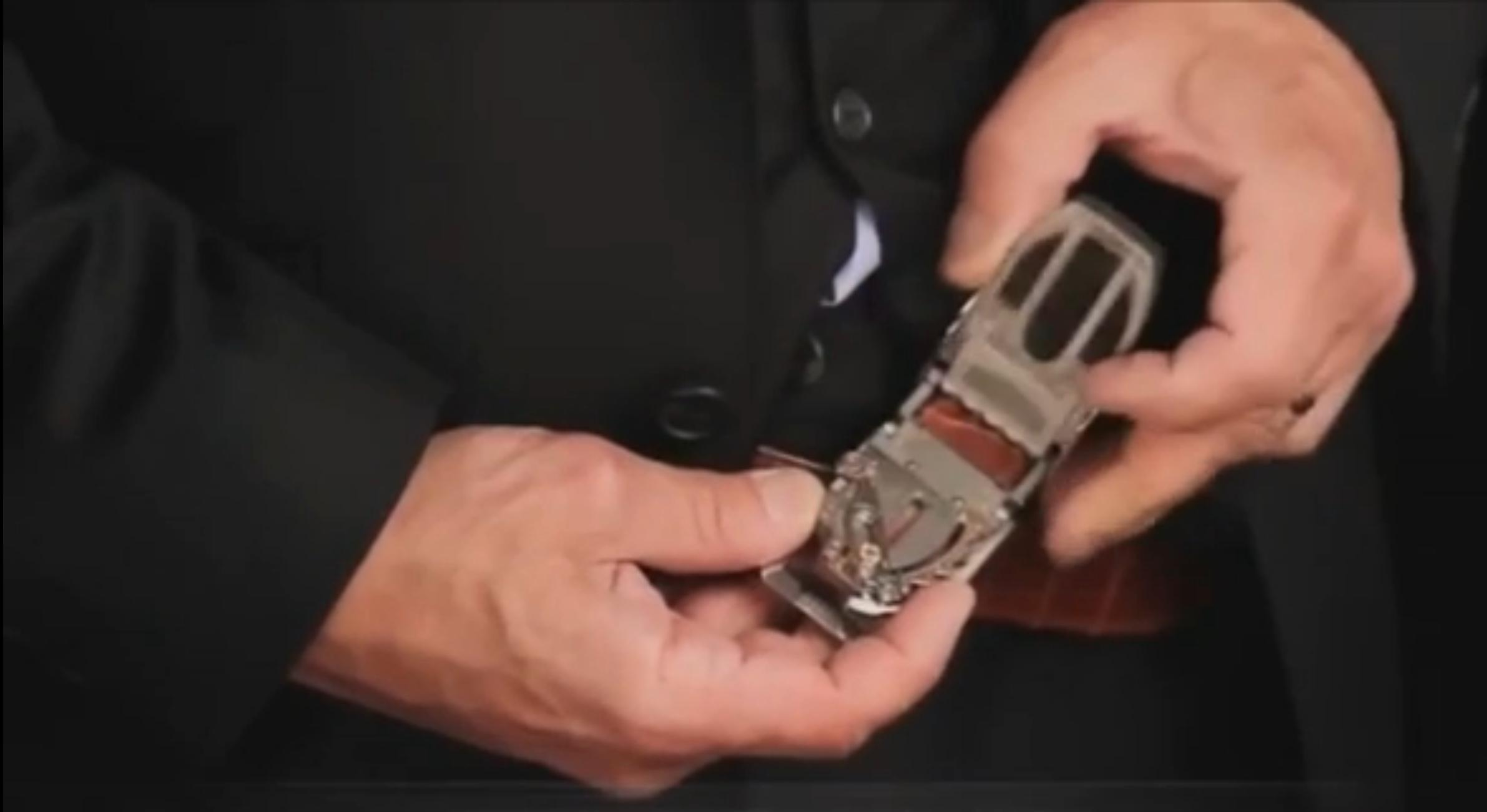 Lusso senza freni: la cintura più cara del mondo che costa più di una Porsche (FOTO)