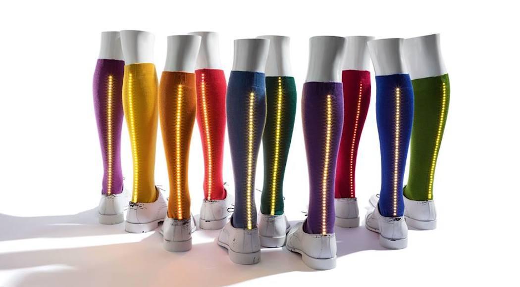 Gal-Led, arrivano i calzini Gallo che si illuminano (FOTO)