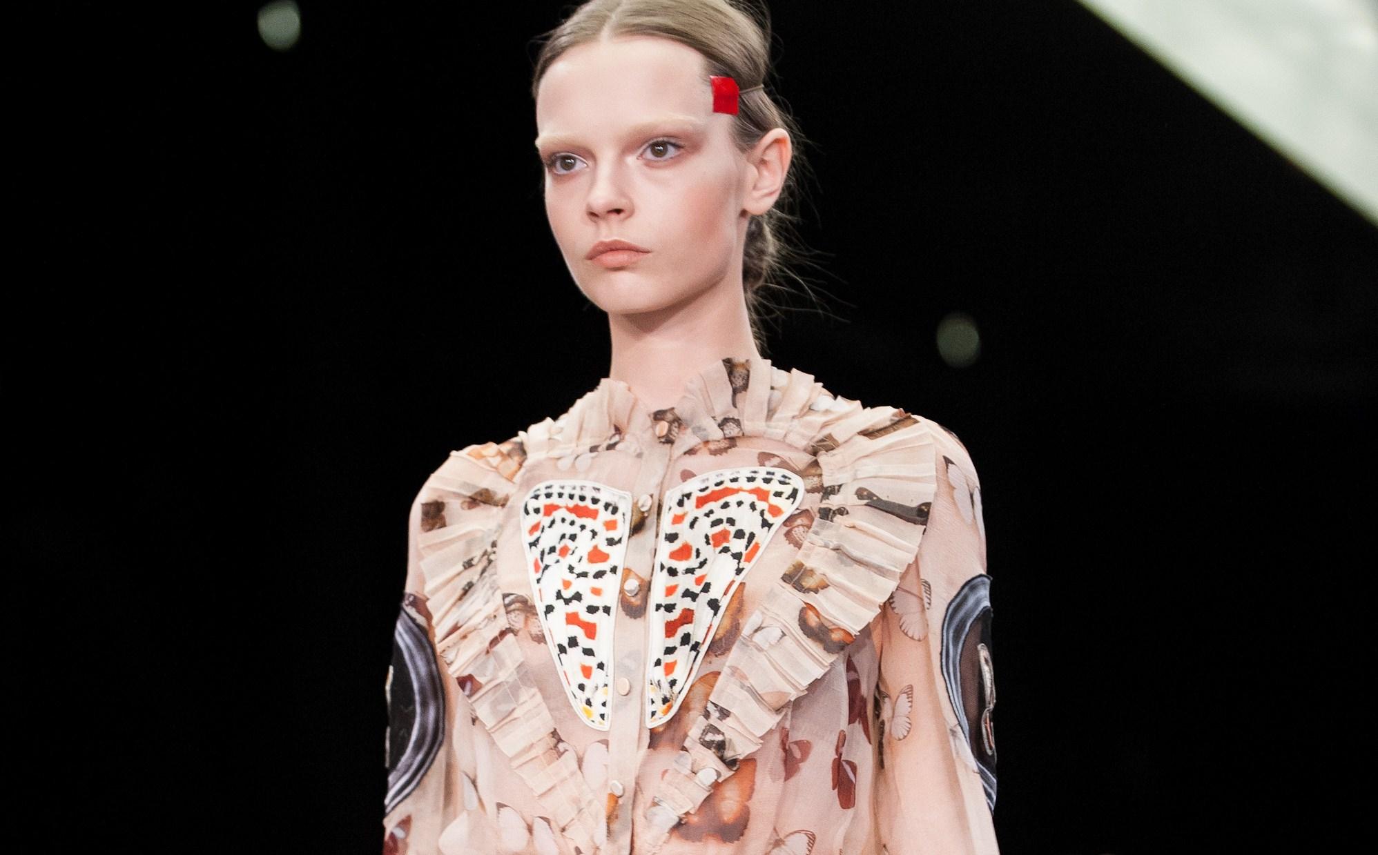 Givenchy: in passerella sboccia la donna farfalla di Riccardo Tisci (FOTO)