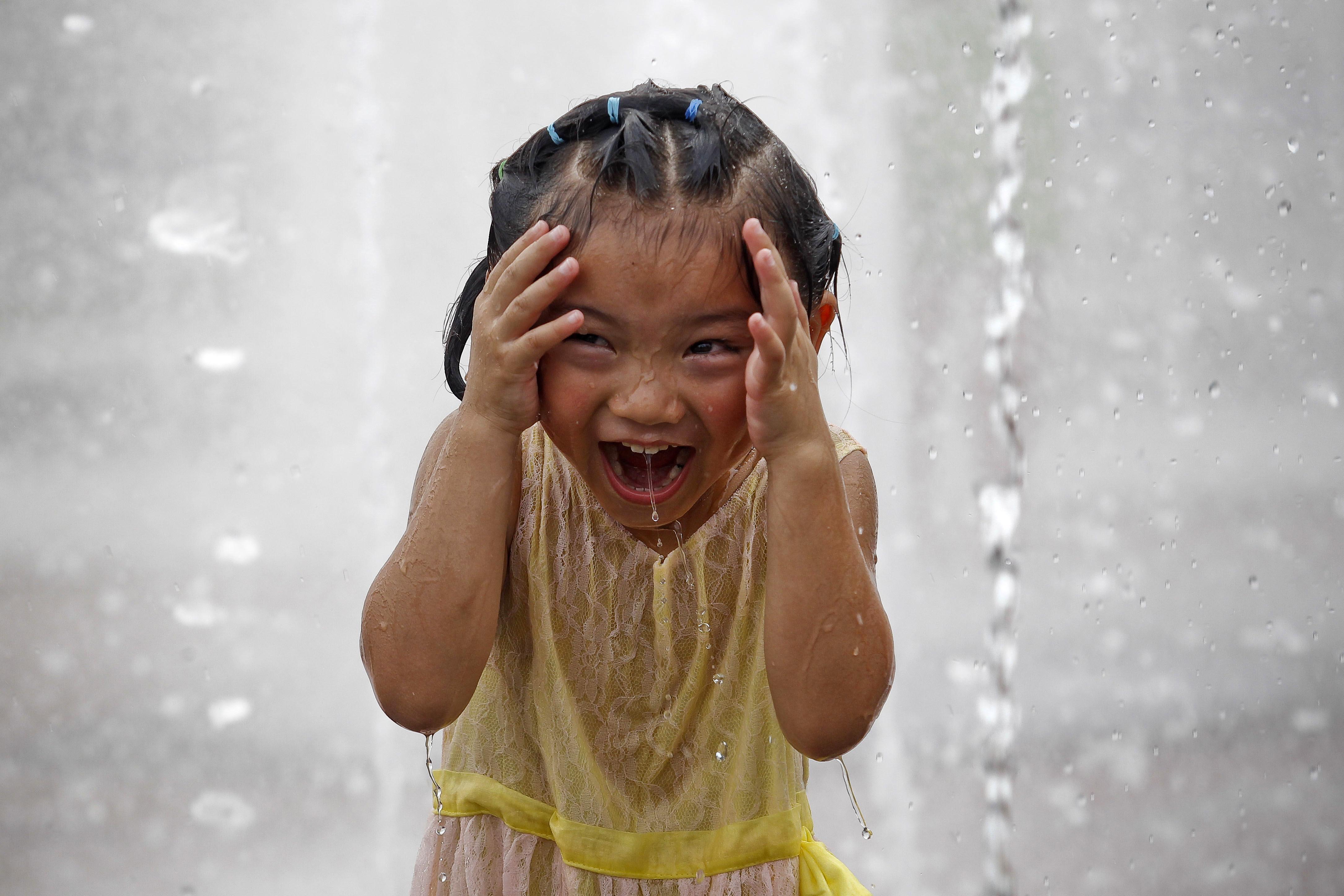 Perché i bambini ridono? Ecco la risposta di un recente studio
