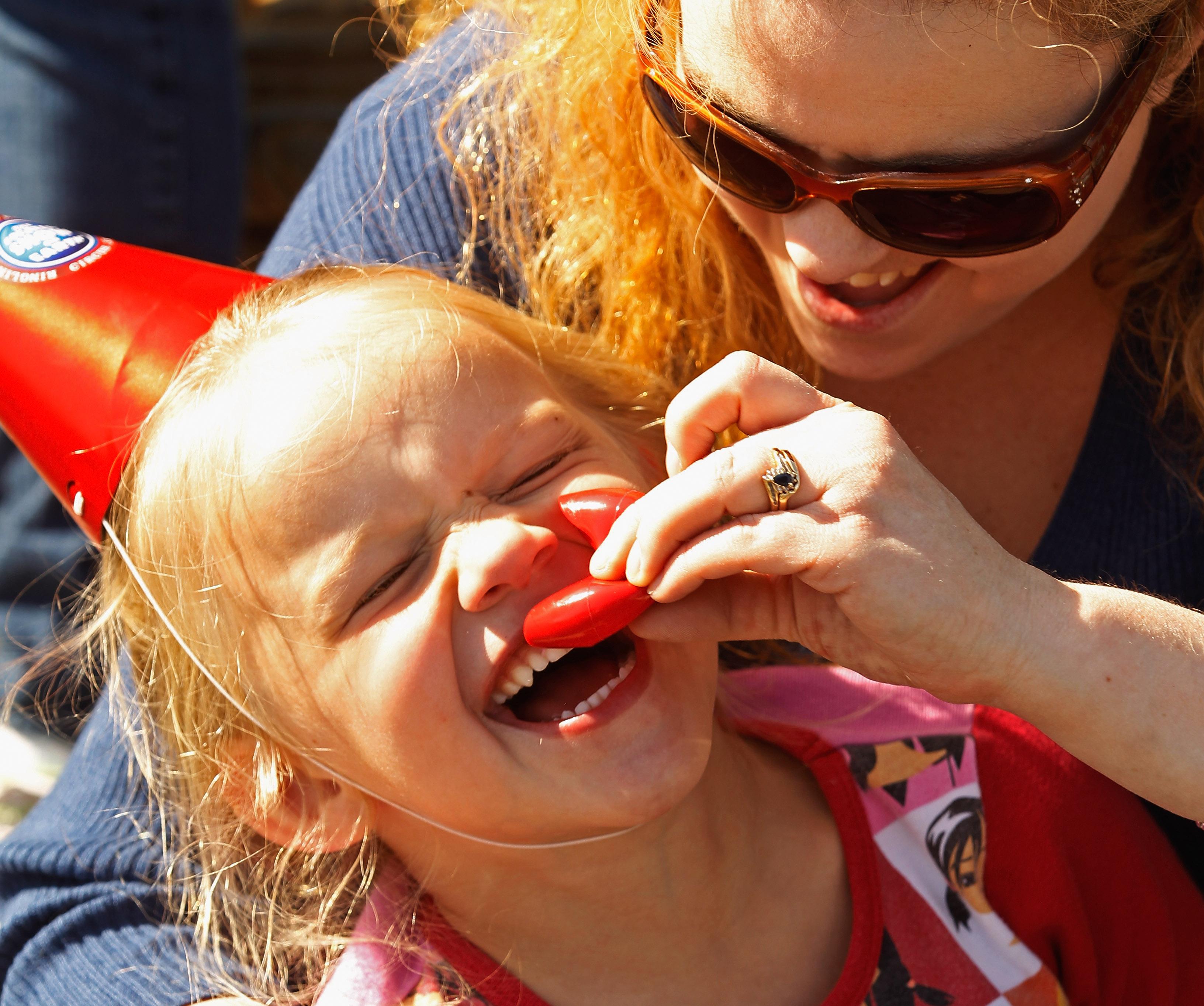 Qual è il paese del mondo in cui madri e figli sono più felici?