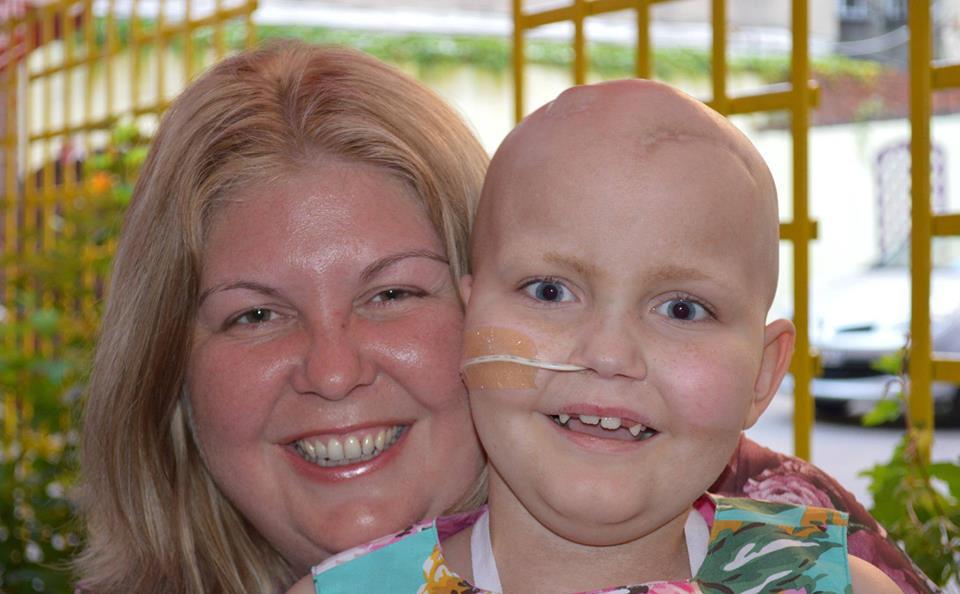 Claudia è la prima bambina ad aver sconfitto un tumore maligno al cervello