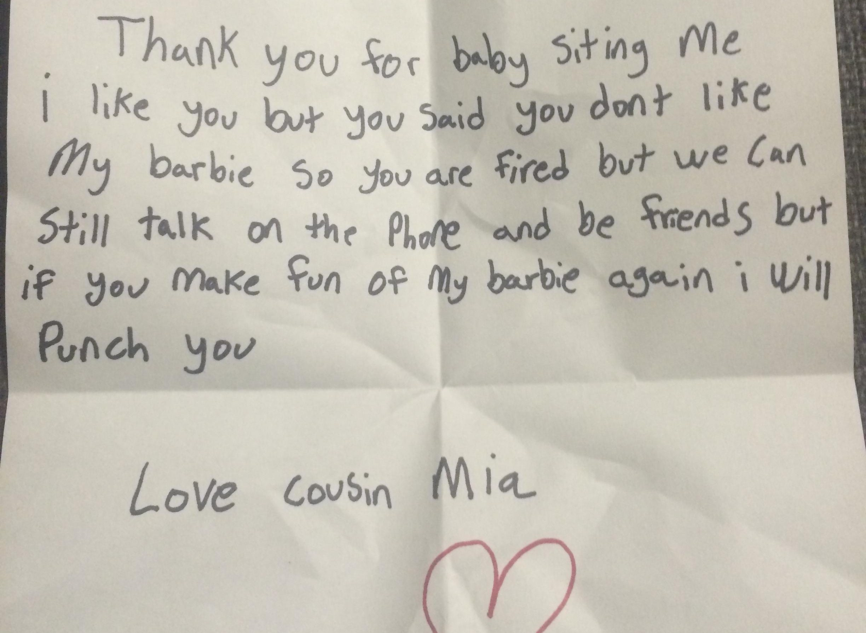 """Baby sitter licenziata da una bimba con una lettera: """"Non le piaceva la mia Barbie"""""""