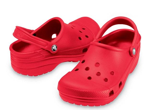 Crocs annuncia la chiusura dei negozi. E' la fine degli zoccoli in gomma?
